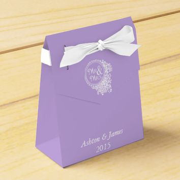 Lavender Mr & Mrs Personalized Wedding Favor Box