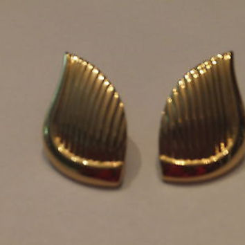 Vintage Trifari Gold Angel Wing Earrings Costume Jewelry