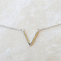 Single V Necklace | Shop Civilized
