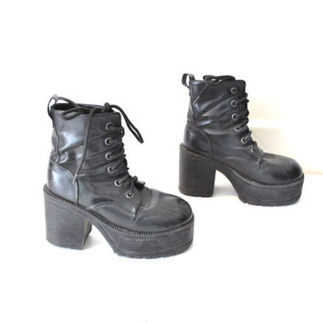 size 7.5 mega platforms club kid lace up ankle boots
