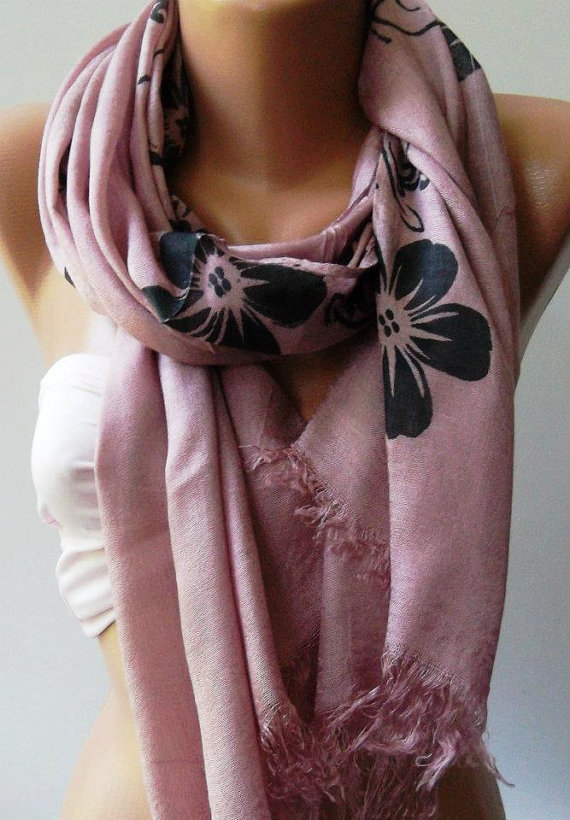 Lilac Shawl / Scarf by womann on Etsy
