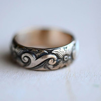 $48.00 Viking Style Gold Ring Floral 14kt Gold Fill by LaraLewis on Etsy