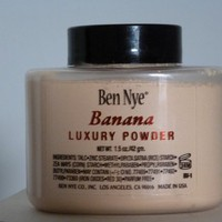 Ben Nye Banana Luxuary Powder - 1.5 oz. 'kim kardashians powder'