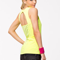 Compression tank top by UNDER ARMOUR - ARMOUR VENT TANK