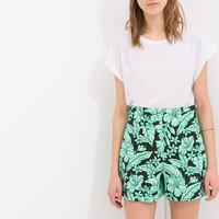 HIGH-WAIST PRINTED SHORTS