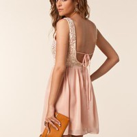 Melanie Open Back Dress - Elise Ryan - Peach - Festklänningar - Kläder - NELLY.COM Mode online på nätet