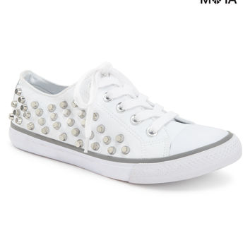 STUDDED LOW-TOP SNEAKER