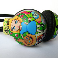 Alice in Wonderland Headphones handpainted by ketchupize