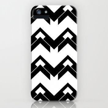chevron pattern in black and white iPhone & iPod Case by VanessaGF