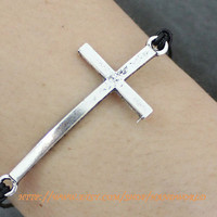 Silvery Cross Bracelet Jewelry by handworld