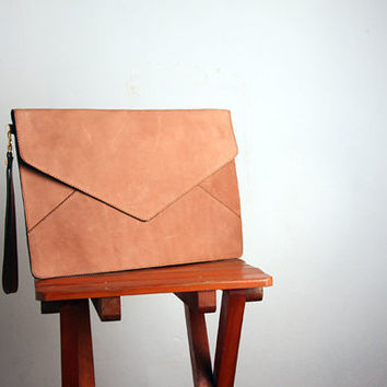 $58.00 Leather Oversize Envelope Clutch in Nude by marchandcraft on Etsy