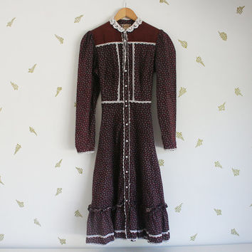 vintage 70s gunne sax dress / maroon red floral / boho / corduroy + lace collar / folk / midi skirt / size 13 / medium