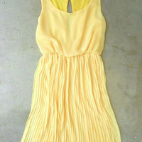 Sweet Pleated Daffodil Dress [2780] - &amp;#36;44.00 : Vintage Inspired Clothing &amp; Affordable Summer Dresses, deloom | Modern. Vintage. Crafted.
