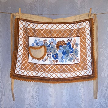 Vintage Half Apron with Crochet Trim Edging, Printed Towelling, fabulous blue and bronze floral print, crochet trimmed pocket
