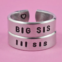 BIG SIS / lil sis  -  Hand stamped Ring Set, Shiny Aluminum Rings, Forever Love, Friendship, Arial Font Version