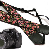 Flowers Camera strap.  Roses camera strap.  dSLR Camera Strap. Camera accessories. Canon camera strap. Nikon camera strap.