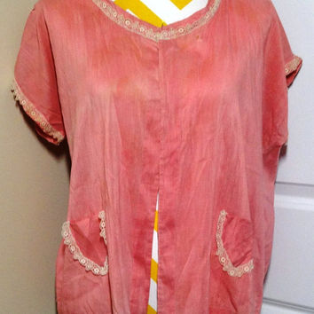 Vintage 1940s Pink Blouse or Bed Jacket with Very Nice Ivory Lace Trim - Hand Sewn