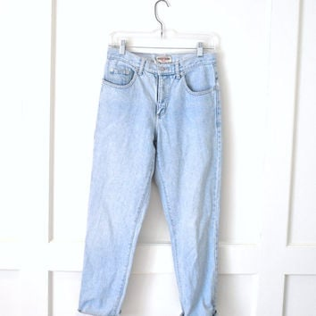 high waisted light wash boyfriend jeans / vintage GUESS grunge faded denim mom jeans 28 29