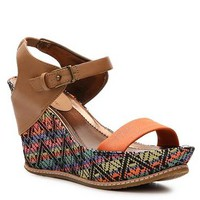Kenneth Cole Reaction Huge Swell Wedge Sandal