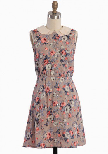 Fairytale Roses Button-up Dress | Modern Vintage Dresses