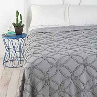 Circle Chain Chenille Coverlet-