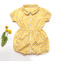 Baby summer outfit Yellow cotton two piece set for baby girl or baby boy. Cat heart print blouse and bloomer shorts // Size 3 month-24 month