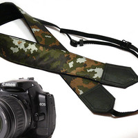 dSLR Camera Strap. Camouflage Camera Strap. Camera accessories. Nikon Canon camera strap.