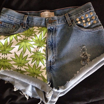 Levi WEED LEAF vintage high waist shorts