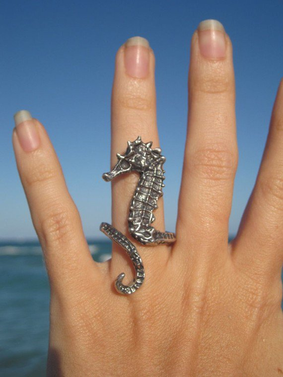 sea horse ring by artformsinnature on Etsy