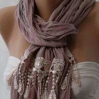 Lilac and Elegance Shawl // Scarf by womann on Etsy