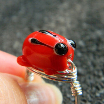Frog RING. Size 6 - Red, Red Frog, Lampworked, Black, Kids, Frogs, Blue, Yellow, Fall, Simple, Animal, Jewelry Rings, Frog Jewelry, Cocktail