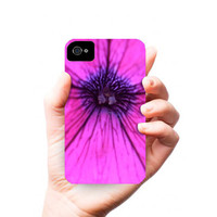 PETUNiA photograph - iPhone 4/4S case - pink flower - micro shot - close up - phone case