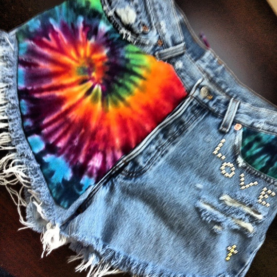 Vintage Levi&#x27;s high waisted Daisy Duke destroyed Tie Dyed denim short size Sm/Med
