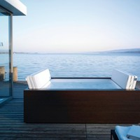 Sundeck Bathtub by EOOS