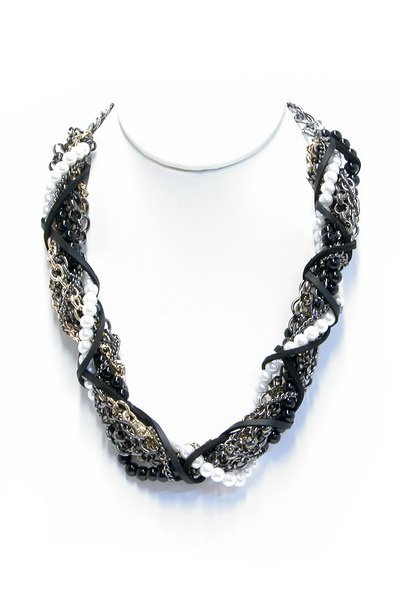 Twisted necklace