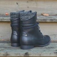 Pinedale Black Lace Up Ankle Boots
