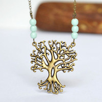 Tree and roots necklace. #treehugger #treelove #mint #etsy #Canadianjewelry #Canadian #trees #branches #treeoflife #nature #forest #etsy #necklace #jewelry #fashion