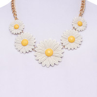 Daisy Gem Bib Necklace | Wet Seal