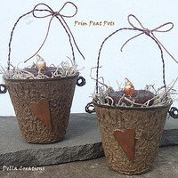 Prim Peat Pot With Grubby Candle & .. on Luulla