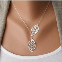 ancient vintage style silvery leaves pendant women collarbone necklace short necklace XL81