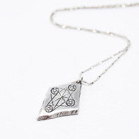 Unearthen Four of Pentacles Pendant in Silver - Urban Outfitters