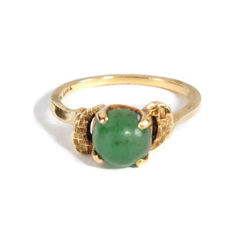 Antique Art Deco 10K Yellow Gold Jade Ring