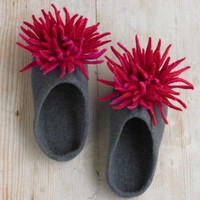 VivTerra - Felted Wool Chrysanthemum Slippers - VivaTerra