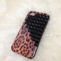 leopard studded iphone 4/4S case :)