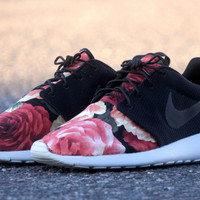 Custom Roshe Run Supremo Supreme Style!