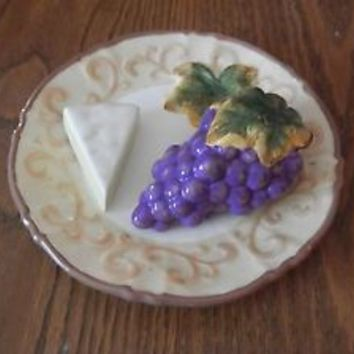 HOME DECOR KITCHEN PORCELAIN WALL PLATE GRAPES CHEESE HANGING PURPLE