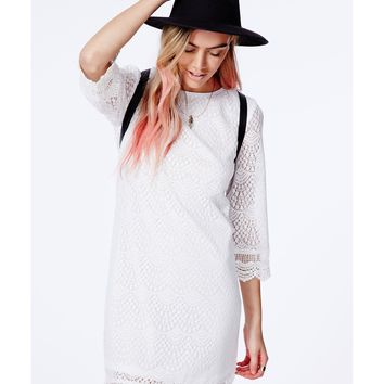 Missguided - Diahanna White Crochet Shift Dress