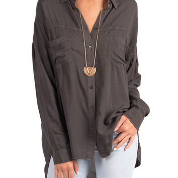 BASIC WOVEN BUTTON UP SHIRT - CHARCOAL