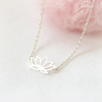 Lotus Necklace in silver