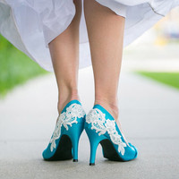 Blue Wedding Heel With Venise Lace Applique. Size 6.5